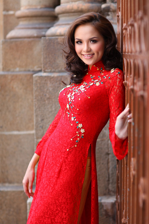 vietnam girl in ao dai photo